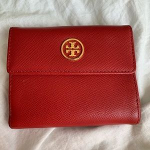 Red Tory Burch wallet
